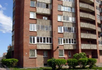 Кирпичный дом серии 528КП82: окно с тремя створками от 16800 рублей