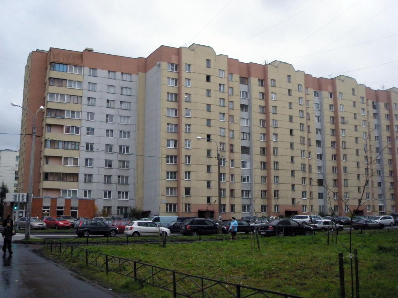 Типовые окна и балконные блоки с типовыми размерами в стандартной 600 серии дома (корабль) в Санкт-Петербурге